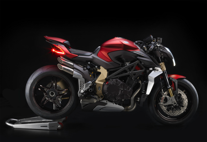 07 BRUTALE 37 SERIE ORO laterale Dx