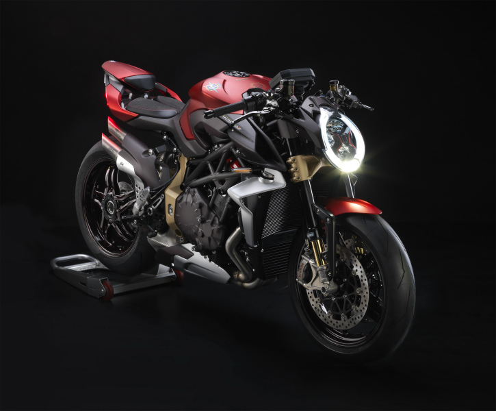 08_a BRUTALE 37 SERIE ORO_3-4 ant Dx